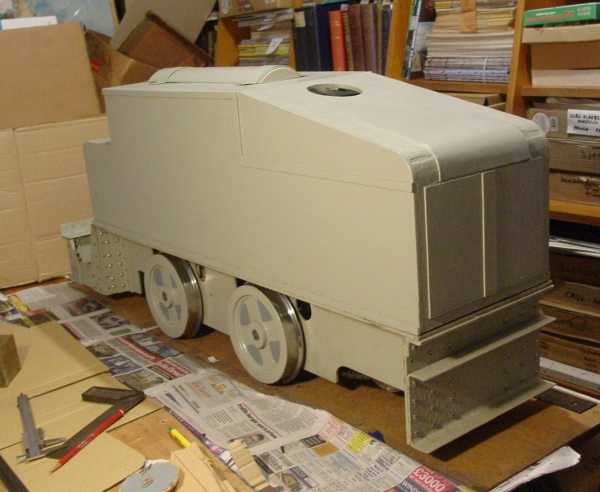 33 days to go and 'Fritz' is almost recognizable as a Deutz Benzollok.