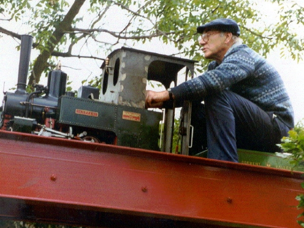 Surry you may want to talk to the 7 1/4 team at Beamish who run a successful cog railway.  http://www.bmeg.co.uk/