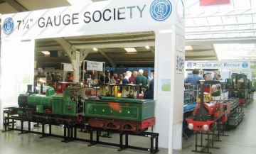 Society Show Stand